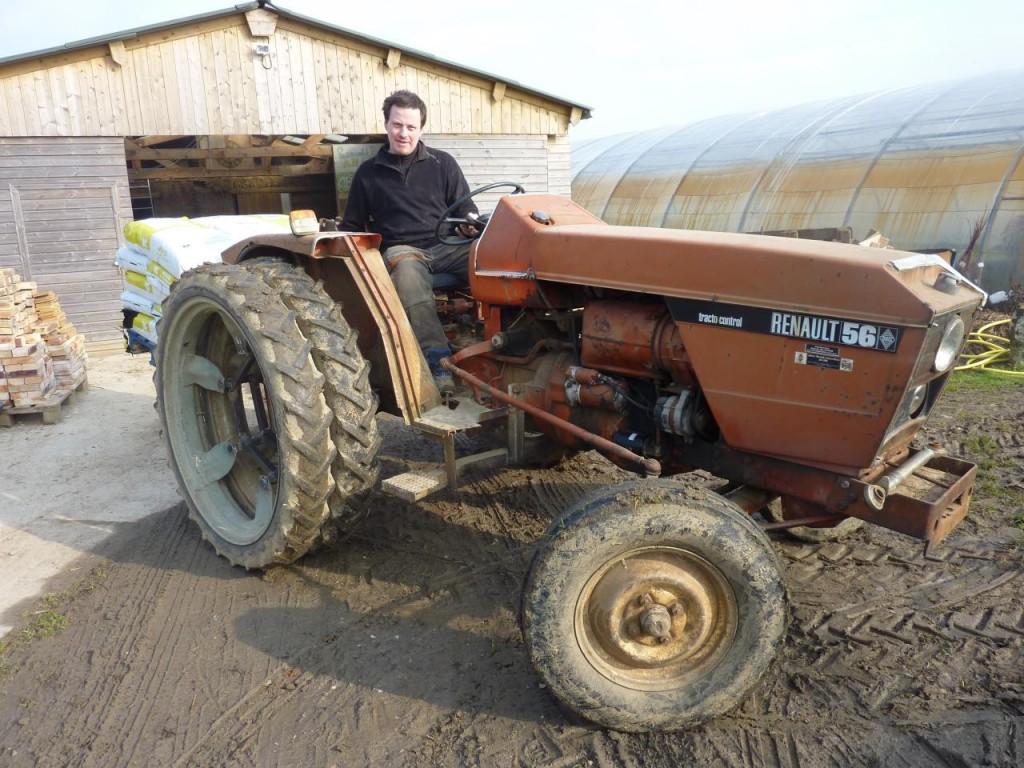 materiel-le-tracteur-jumellage-arriere